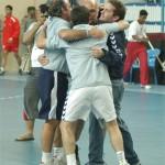 Así ya festejaba nuestro cuerpo técnico cada triunfo ante las potencias en el Mundial Juvenil de Bahrein en 2007