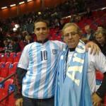 Marcelo Portomeñe en la barra argentina junto a Jorge Portela