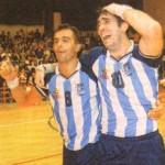 Pablo Buceta junto a Roberto Morlacco festejando el Sudamericano 98